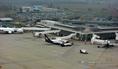 Várakozó repülőgépek a Ferihegy 2 A terminálnál