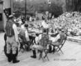 Cigány együttes a fellépése a Margitszigeten