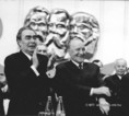 Leonyid Iljics Brezsnyev, a Szovjet Kommunista Párt főtitkára és Kádár János az MSZMP XI. kongresszusán