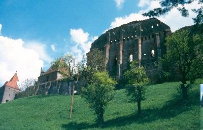 A szelindek templomvár homlokzata