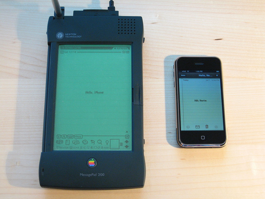 1280px-Apple_Newton_and_iPhone