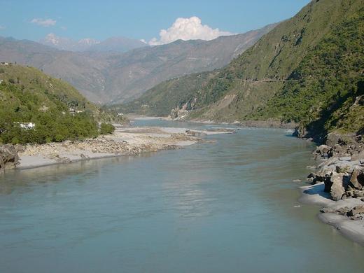 800px-Indus_river_from_karakouram_highway