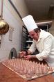 Húsvétra készül az Oscar-díjas egri cukrász