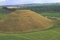 Európa legnagyobb mesterséges dombja a wiltshire-i Silbury Hill