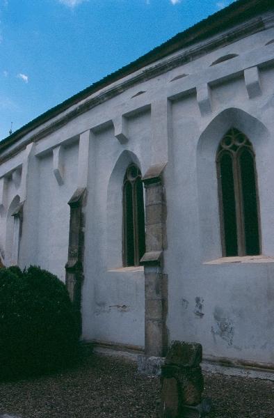 A zabolai plébániatemplom déli homlokzata