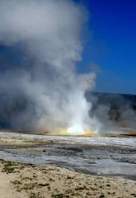 Yellowstone NP - Clepsydra gejzír
