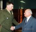 NATO-parancsnok parlamenti látogatása