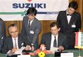 A Suzuki autógyár alapításáról szóló szerződés aláírása