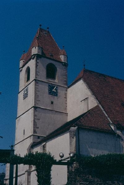A kismartoni plébániatemplom nyugati templomtornya