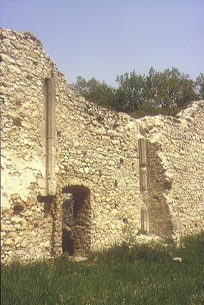 A nagyvázsonyi pálos kolostor - a hajó északi fala