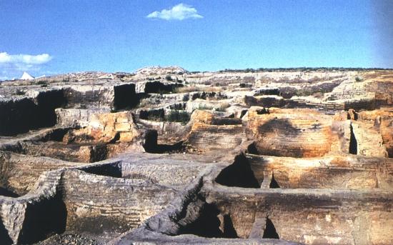 Catal Hüyük, földműves óriástelepülés maradványai (Törökország, Kr. e. 7000 k.)