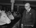 U. Kekkonen megtekinti a kocsi Arany Kalász Termelőszövetkezet tehenészetét