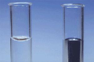 Nedvesítő és nem nedvesítő folyadékok felszíne
