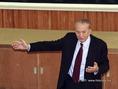 Oláh György Nobel-díjas professzor Debrecenben