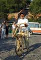 Csillag István a kerékpár ősének tekinthető közlekedési eszközzel
