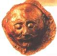 Egy mükéné kori sírból származó, arany halotti maszk (Kr.e. 1500-1400 körül)