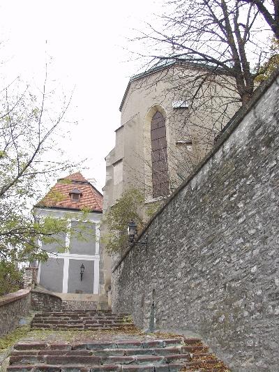 A veszprémi vár várfala a székesegyház északkeleti sarkánál