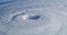 Támadnak a hurrikánok!