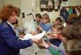 Drogellenes rendőri felvilágosító program az iskolákban