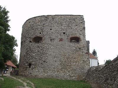 A nagyvázsonyi vár - a barbakán északi oldala