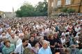 Billy Graham pécsi igehirdetésén megjelent tömeg