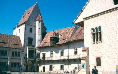 A nagyszebeni városháza udvara a lakótoronnyal