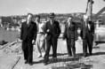 Gerő Ernő megtekinti a Margit híd építését
