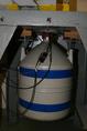 Magfizikai mérést végző germánium-detektor hűtése folyékony nitrogénnel